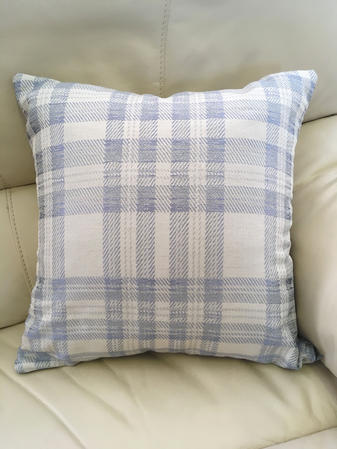 Curtis check pattern cushion with hollowfibre cushion pad Thumbnail 1