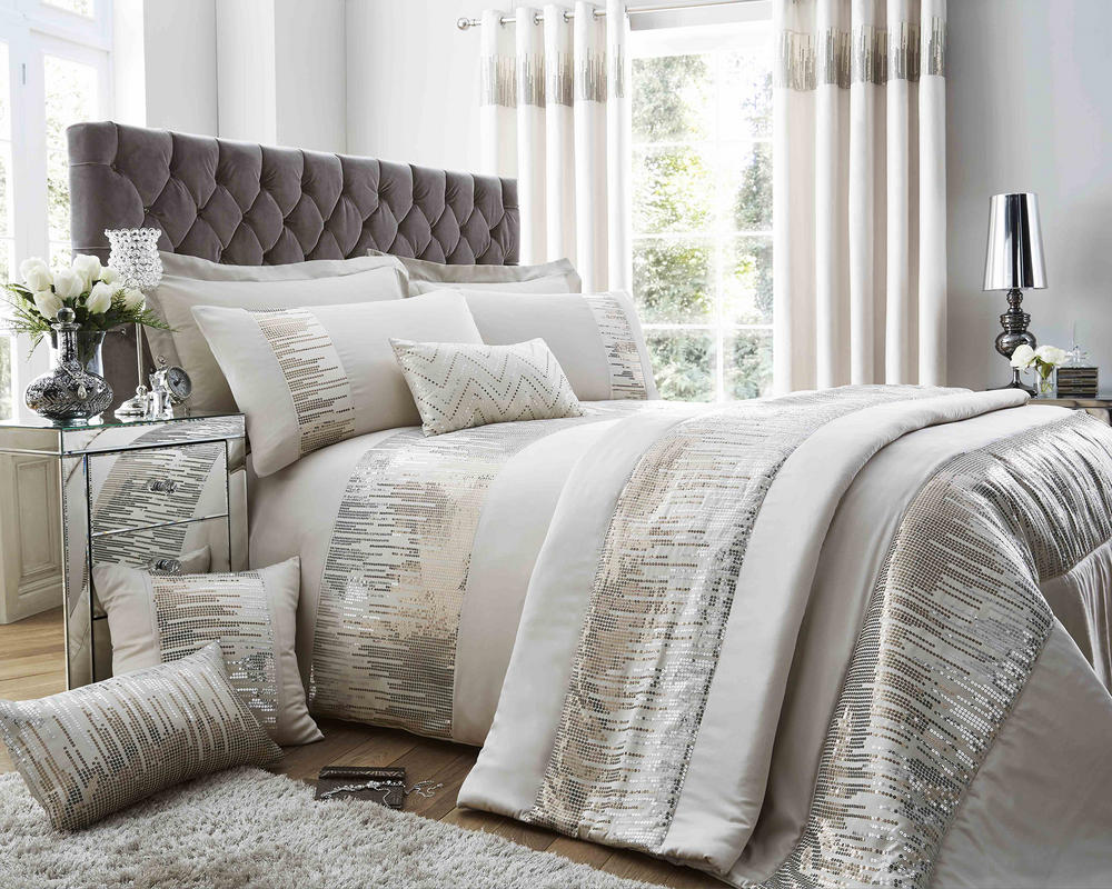 Antoinette Duvet Set and Accessories in Oyster