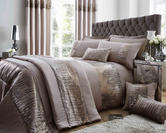 Antoinette Duvet Set with Pillowcase(s) in Latte