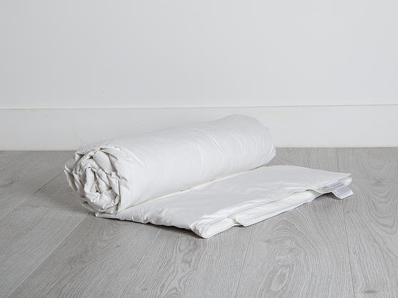 BLACK FRIDAY DEAL 13.5 Tog - Duck Feather and Down Duvet