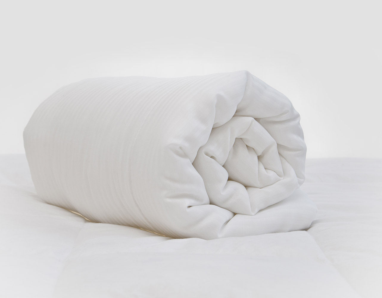 10.5 Tog - Single Luxury Satin Stripe Duvet and Pillow Set