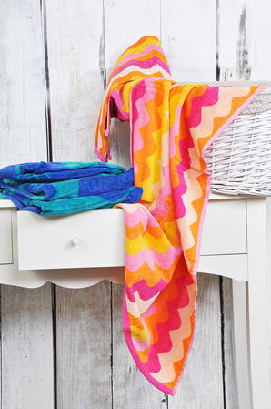 """Slight Second"" 2 Pack of 100% Egyptian Cotton Abstract Multi Beach Towels Thumbnail 2"