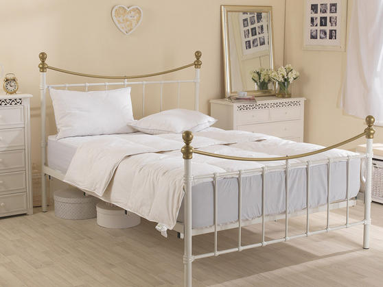 4.5 Tog - Luxury Goose Feather And Down Duvet Thumbnail 3