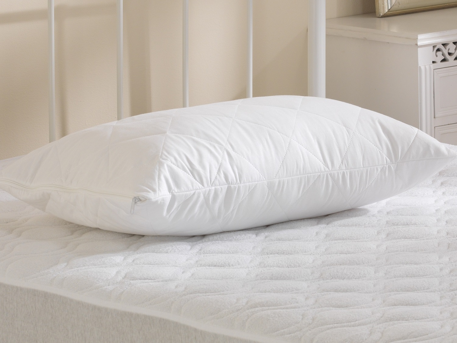 Hotel Quality Deep Quilted Medium Support Pillow
