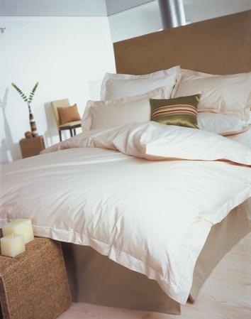 Exclusive 400 TC Finest Egyptian Cotton Oxford Pillowcase in Solid Cream Thumbnail 3