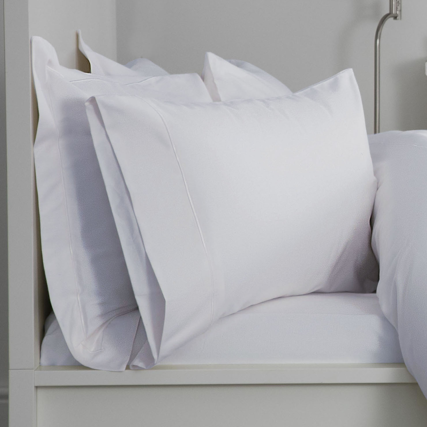 Super King Exclusive 400TC Egyptian Cotton Fitted Sheet 12u0027u0027 Box In Solid  White
