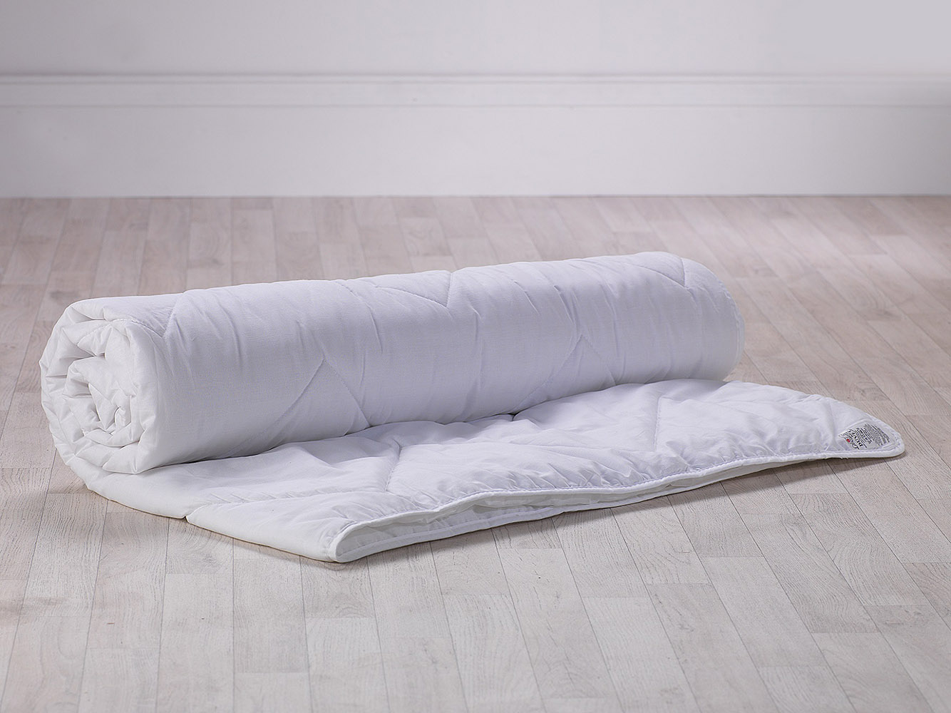 Slight Second - 1.5 Tog Ex-Chainstore Quality Soft Hollowfibre Duvet