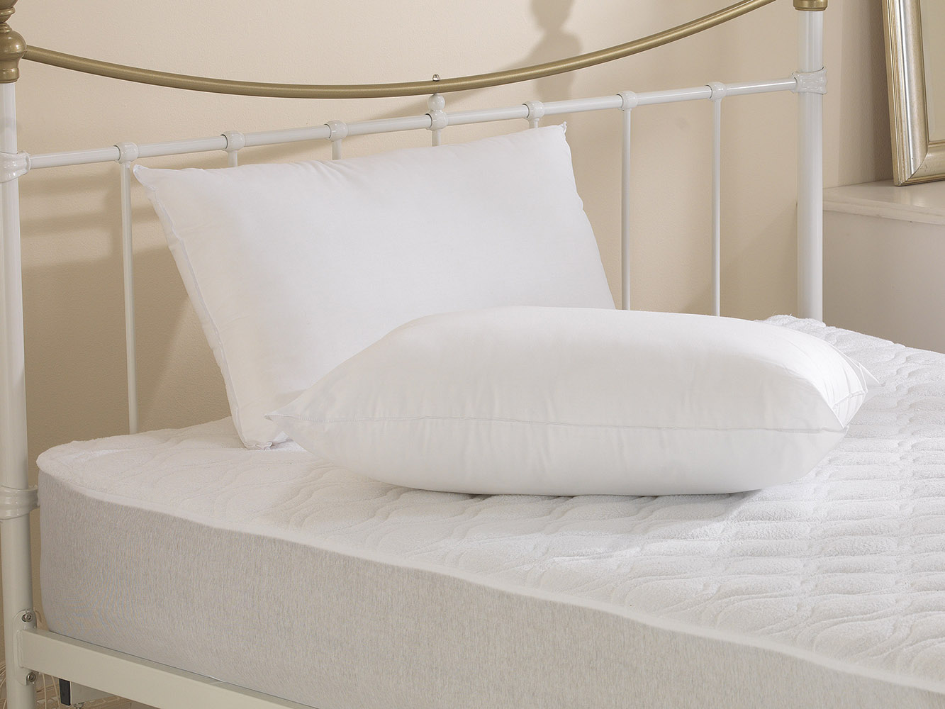 The BIG One - 1000g Filled Hollowfibre Super Bounce Back Pillow