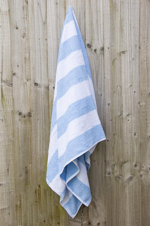 100% Cotton Chlorine Resistant Stripe Beach Towel Thumbnail 1