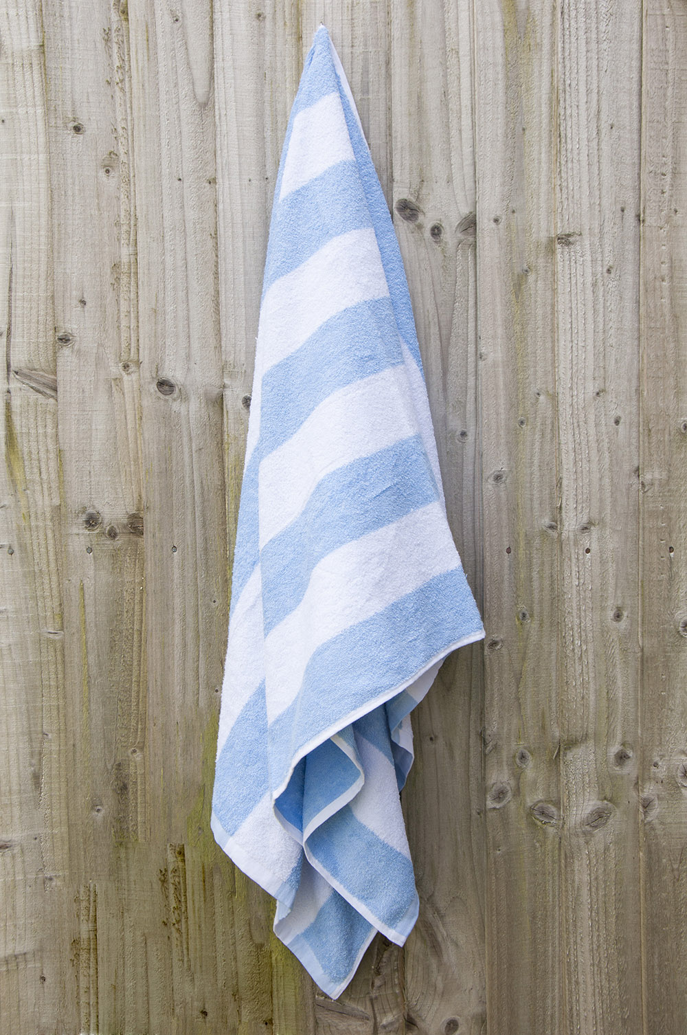 100% Cotton Chlorine Resistant Stripe Beach Towel