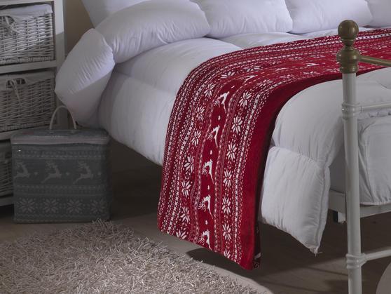Vintage Heavyweight Nordic Reindeer Throw/Blanket in Red Thumbnail 2