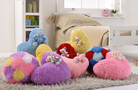 Plush Kids 2 Piece Cushion and Pouffe Accessorie Set Thumbnail 2