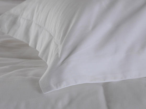Premium White Linen Range - 20 or 30 Twill Pattern 100% Cotton White Flat Sheets Thumbnail 3