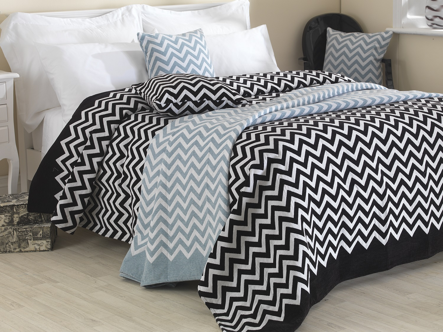 Unique Chenille Collection Zig Zag Style Bedding Bedspread