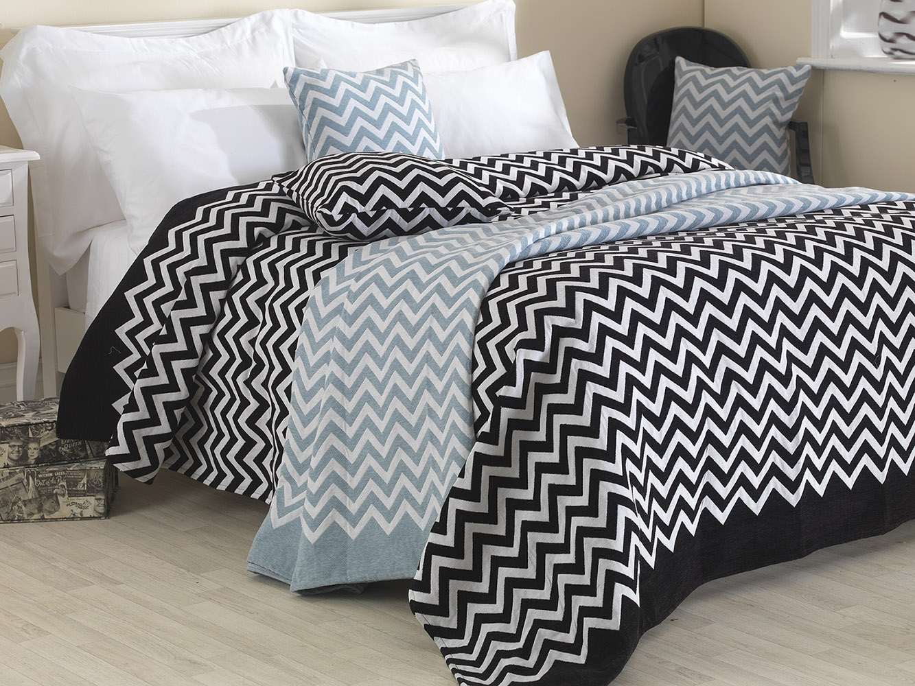 Luxurious Chenille Chevron Bedspreads Throws and Cushion Covers Cases