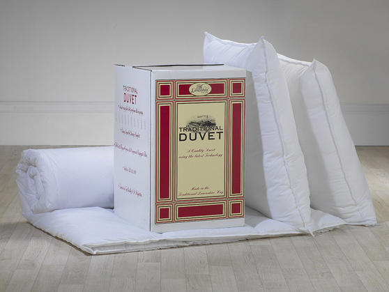 13.5 Tog - Traditional Hollowfibre Polycotton Duvet and Pillow Set  Thumbnail 3