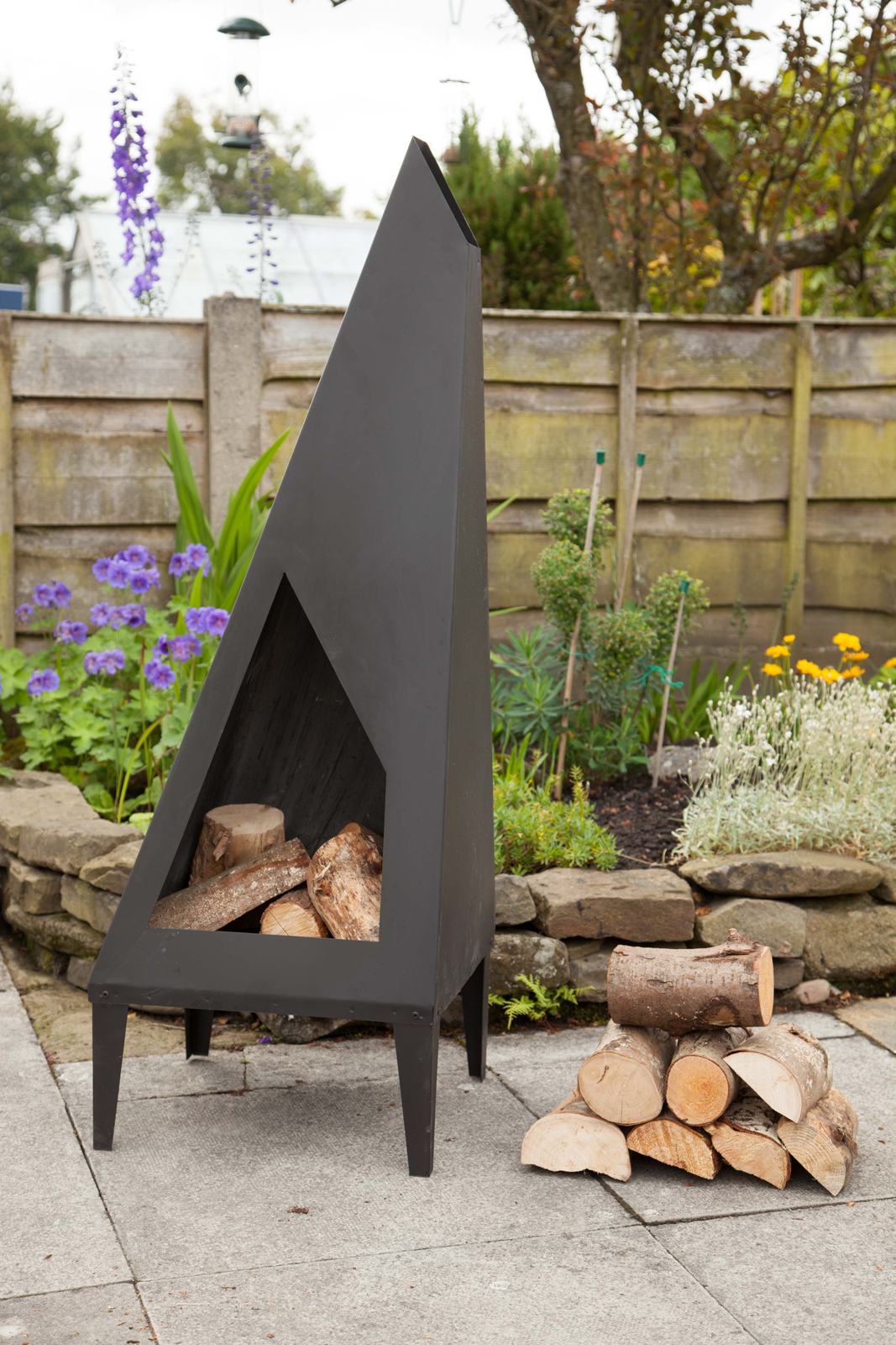 Made O Metal 130cm Modern Art Patio Chimney Burner Heater