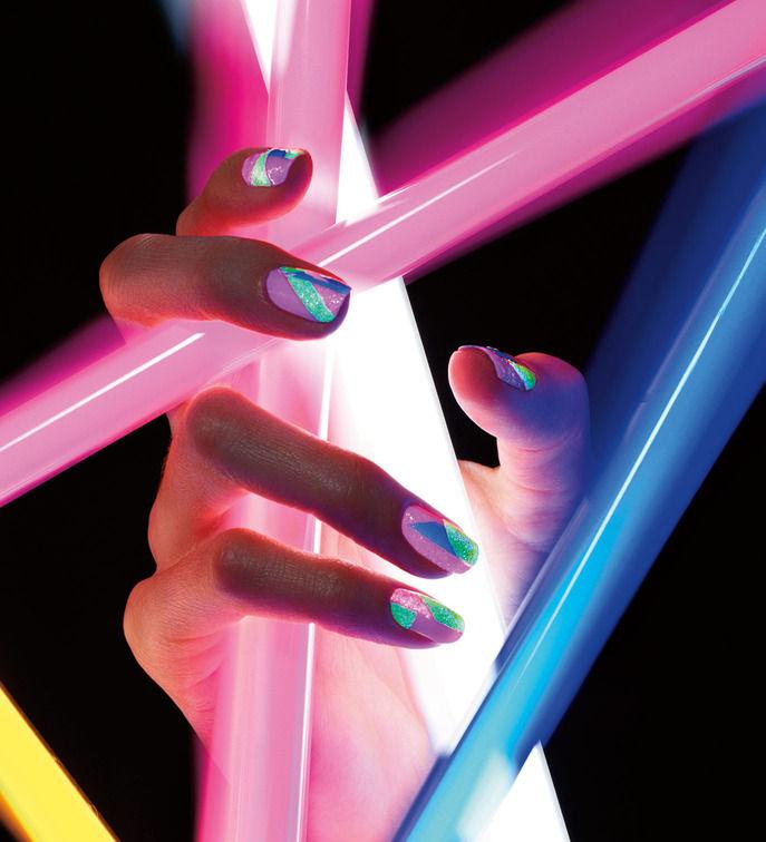Ciate Corrupted Neon Blue Manicure 3D Glitter Nail Polish Kit Glows