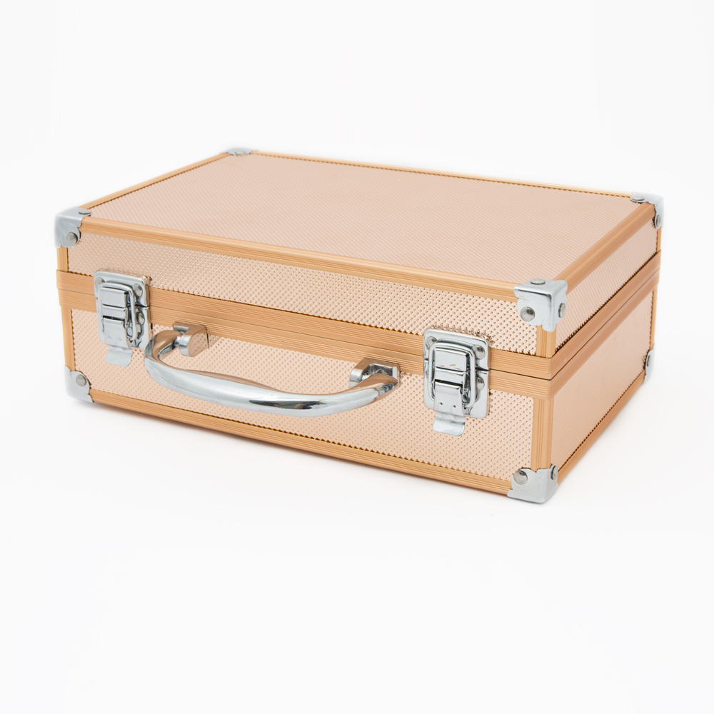 3fa84f7636a7d5 ... and stylish case, this set is the perfect thing for travel, allowing  you to enjoy holidays, long journey's and more, Perfect cosmetic travel  companion