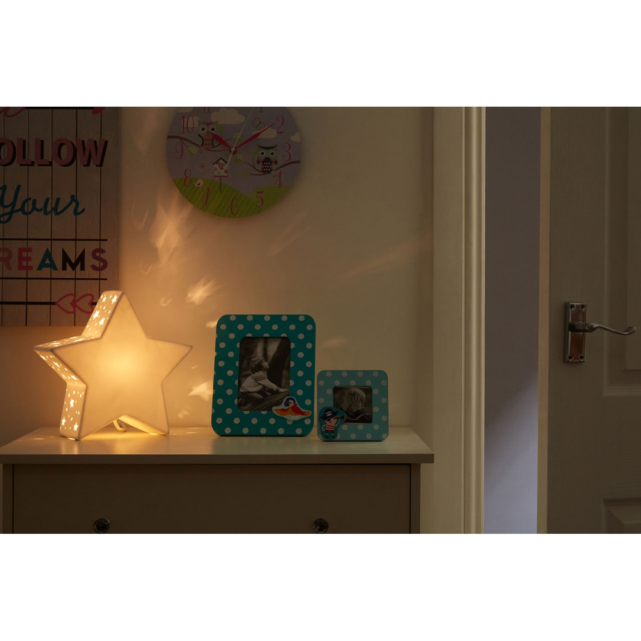 Kids star night light white ceramic bedside table lamp childrens the in line switch makes this night light easy to switch off once your child has fallen asleep mozeypictures Image collections