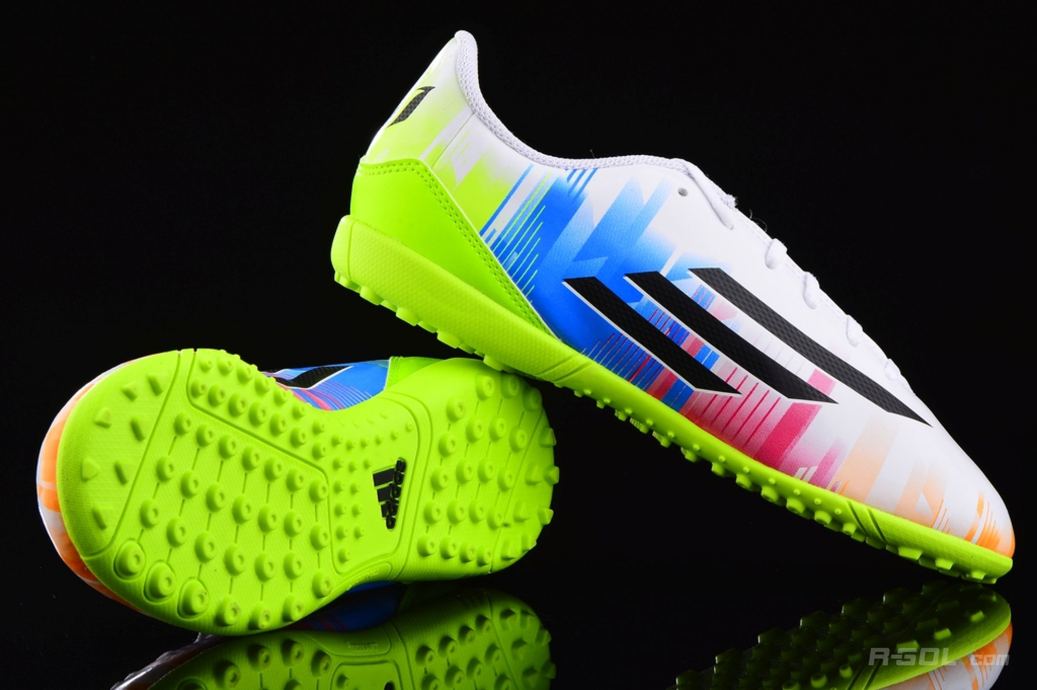 Details about Kids Boys Adidas F5 TRX Junior Messi Designer Football Astro Turf Trainers
