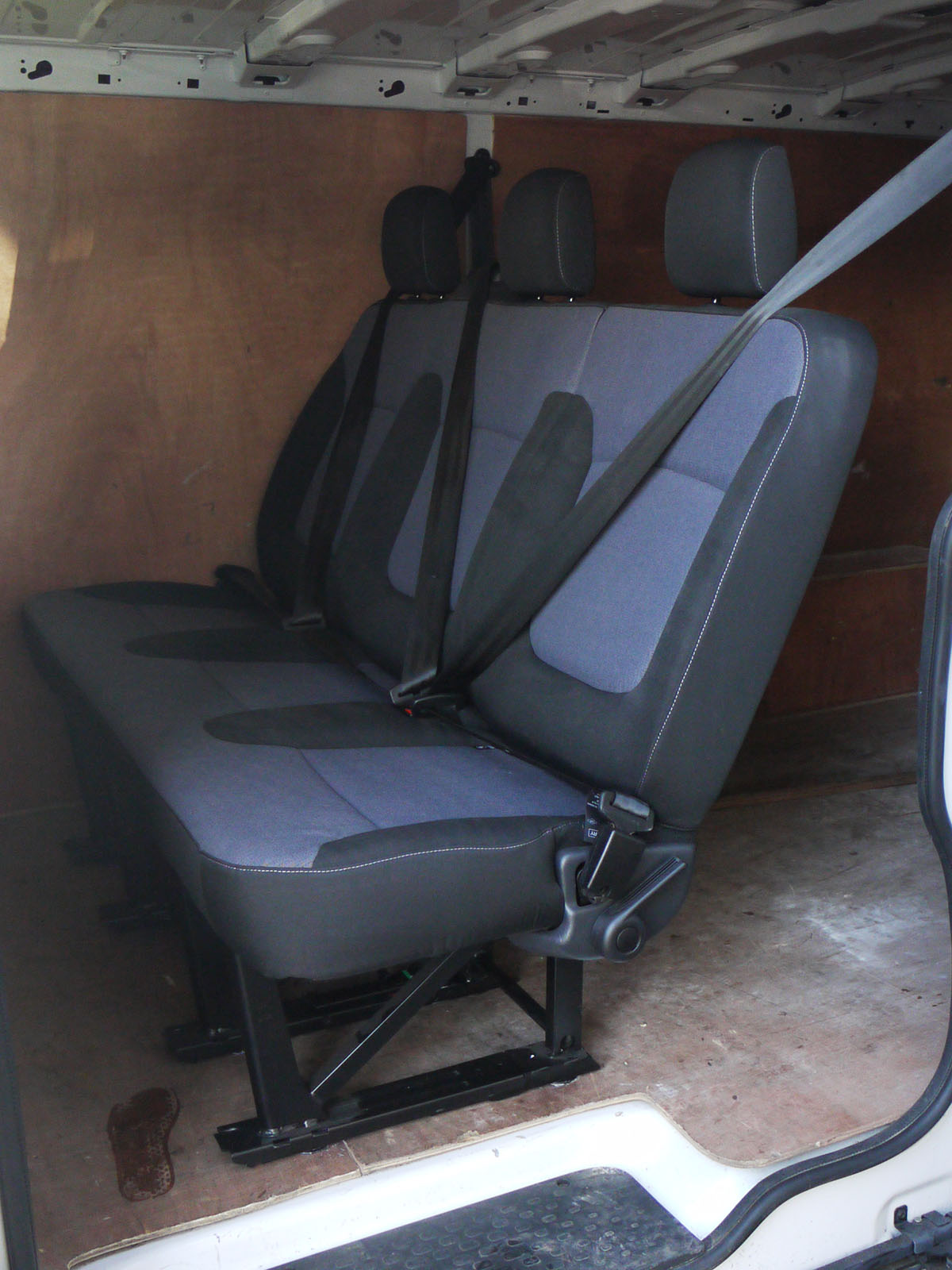 Genuine New Oem Rear Triple Bench Seat From Vauxhall