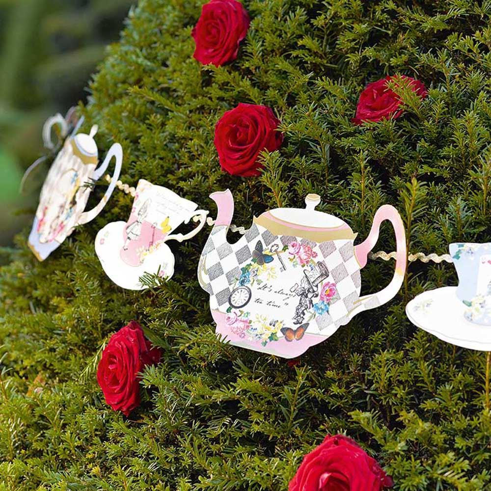Vintage style alice in wonderland teapot bunting mad for Alice in wonderland tea party decoration ideas