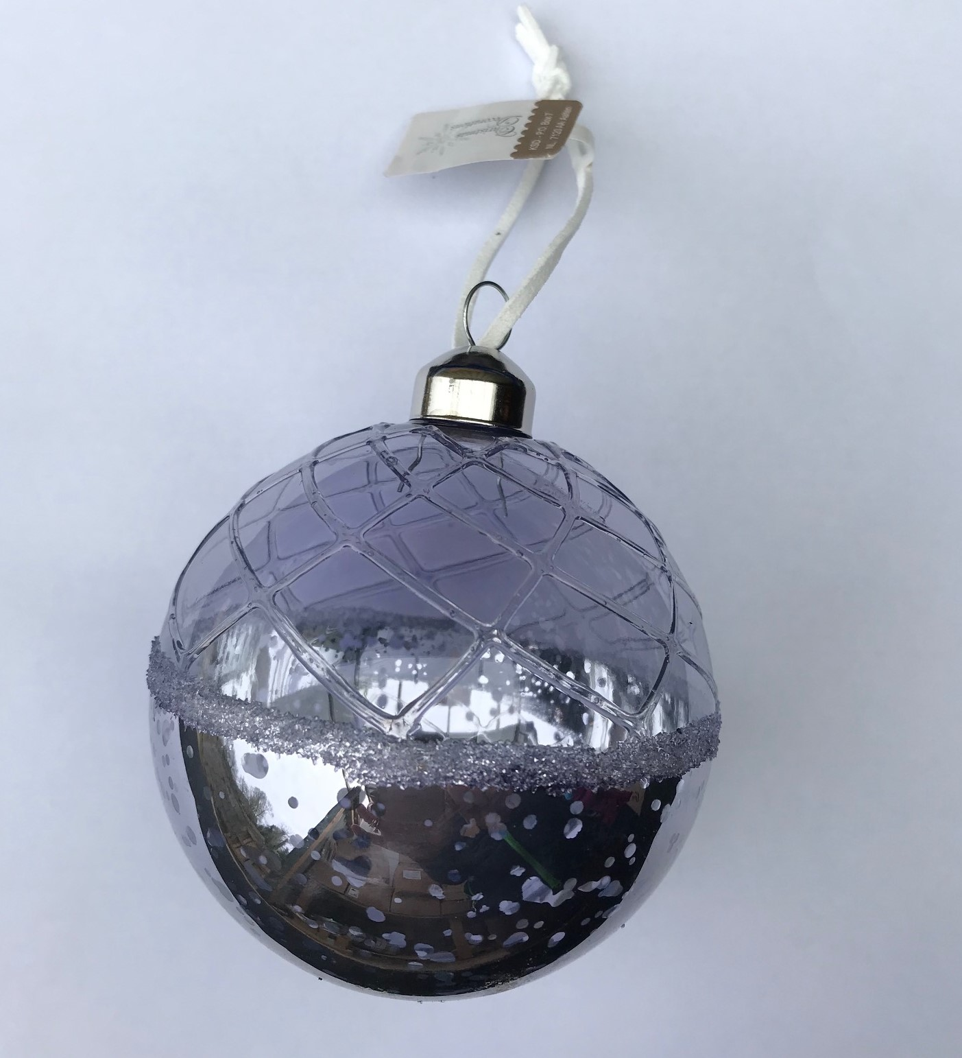 Christmas Tree With Baubles: 6 X Hazy Lilac Glass Christmas Tree Baubles Hanging