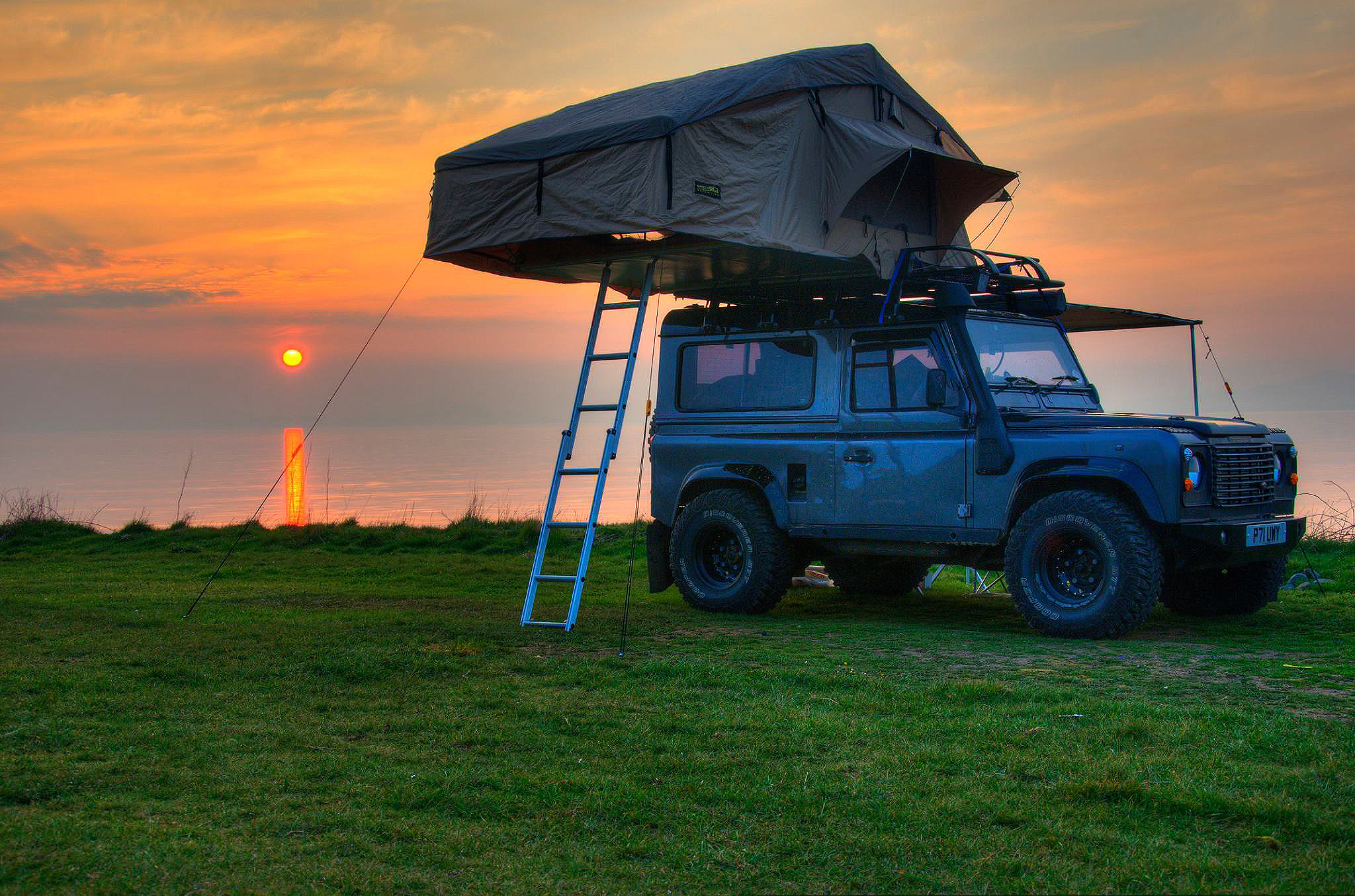 Details about Land Rover Defender 3 Man Roof Tent + Full Roof Rack Outdoor  Camping Camper