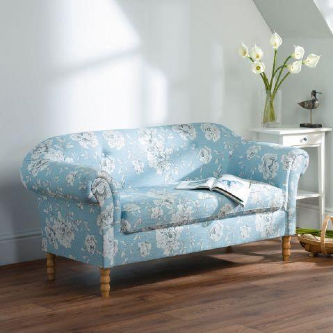Rosie Floral Fabric 2 Seater Sofa Couch Settee Blue   Button Back U0026 Wood  Legs