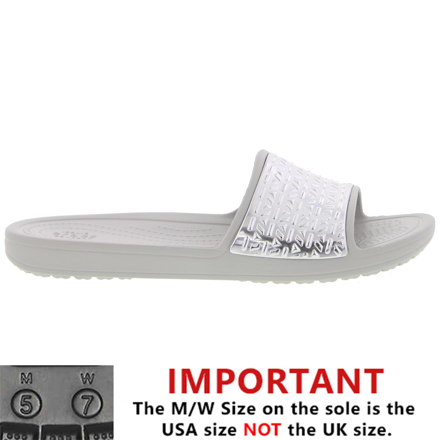 f5da09bb3049 Detalles de Crocs Sloane Gráfico diapositiva para Mujer señoras plata  Resbalón en Zapatos Sandalias Talla 4-8- ver título original