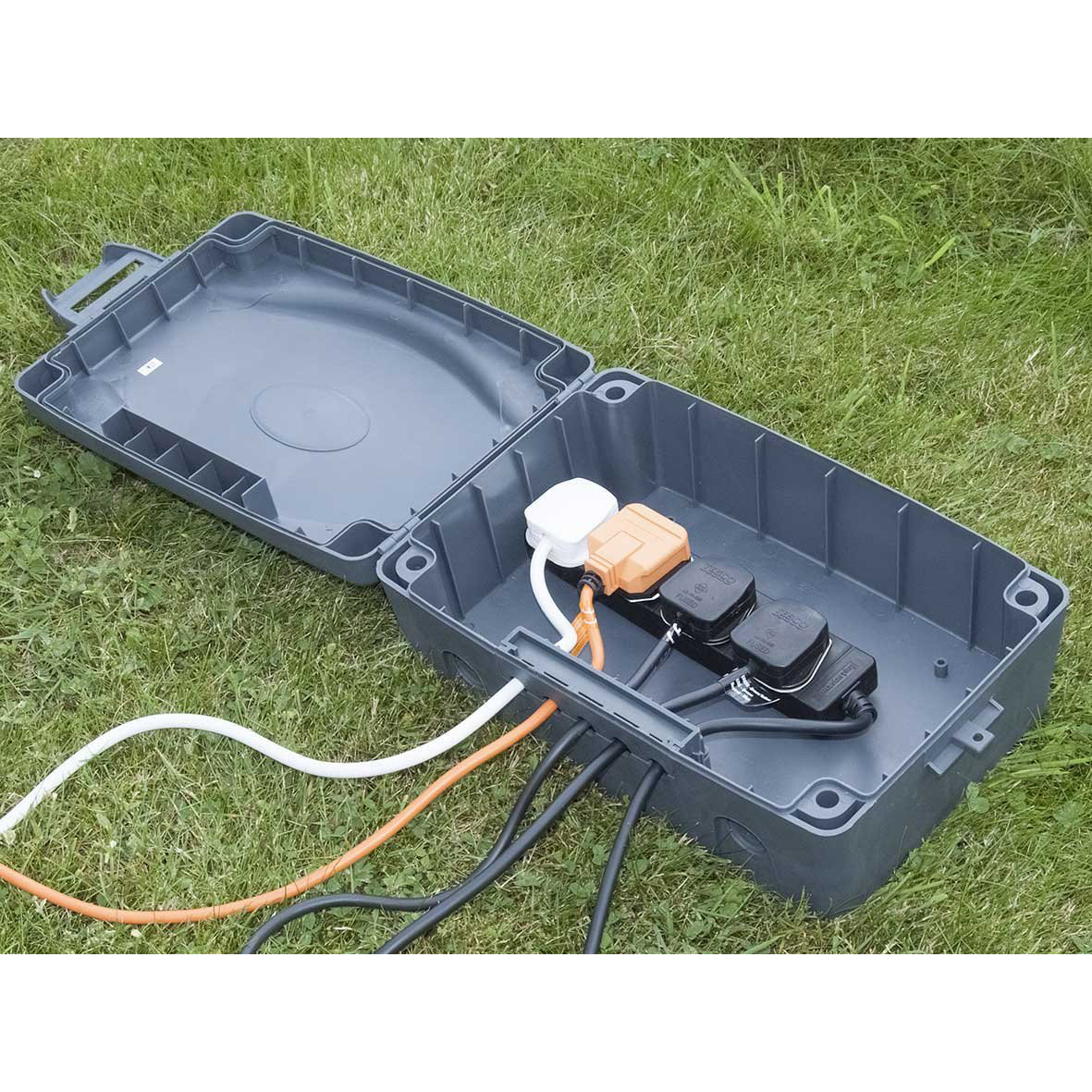 Masterplug Weatherproof Box with 8m Extension Lead For ...