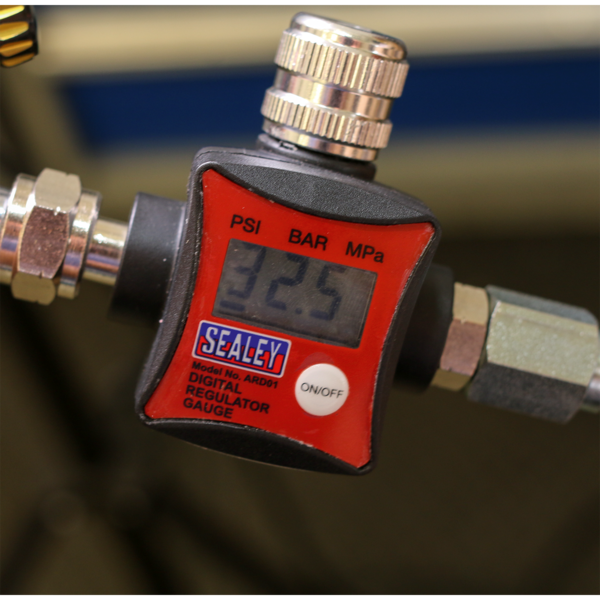 Sealey ARD01 On-Gun Air Pressure Regulator/Gauge Digital Thumbnail 4