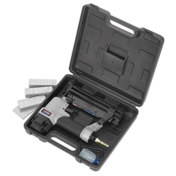Sealey SAC0610EKIT Air Nail/Staple Gun Kit with Compressor Hose & Nailer/Stapler Thumbnail 5