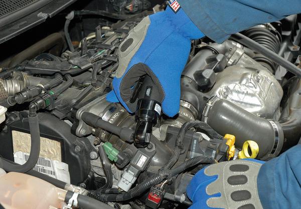 "Draper 14199 5219PRO Expert 1/4"" Sq. Dr. Stubby Composite Body Reversible Air Ratchet Thumbnail 3"