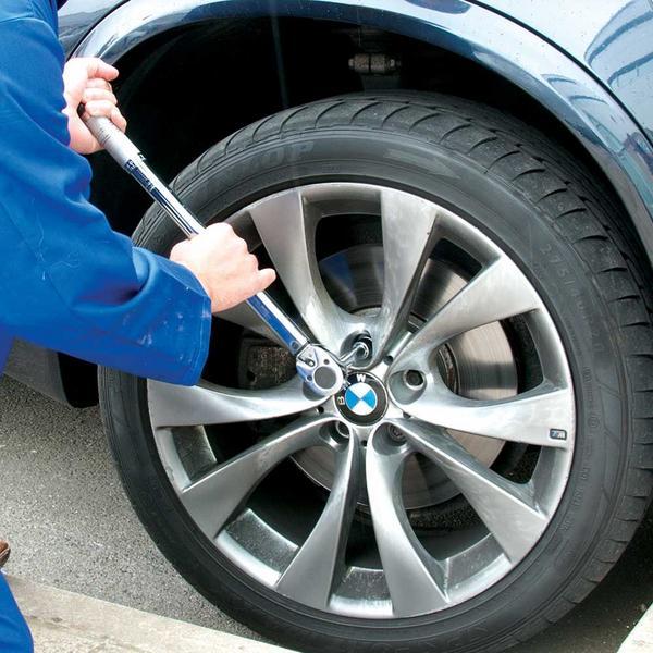 Silverline 633567 Torque Wrench Socket Ratchet 28-210Nm Thumbnail 2