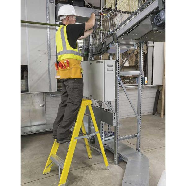 Draper 29937 FGL3 Expert Fibreglass 3 Step Ladder Thumbnail 2