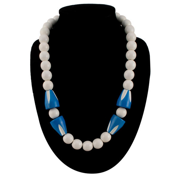 White Wood Blue Lucite Beaded Collar Necklace Vintage Jewelry