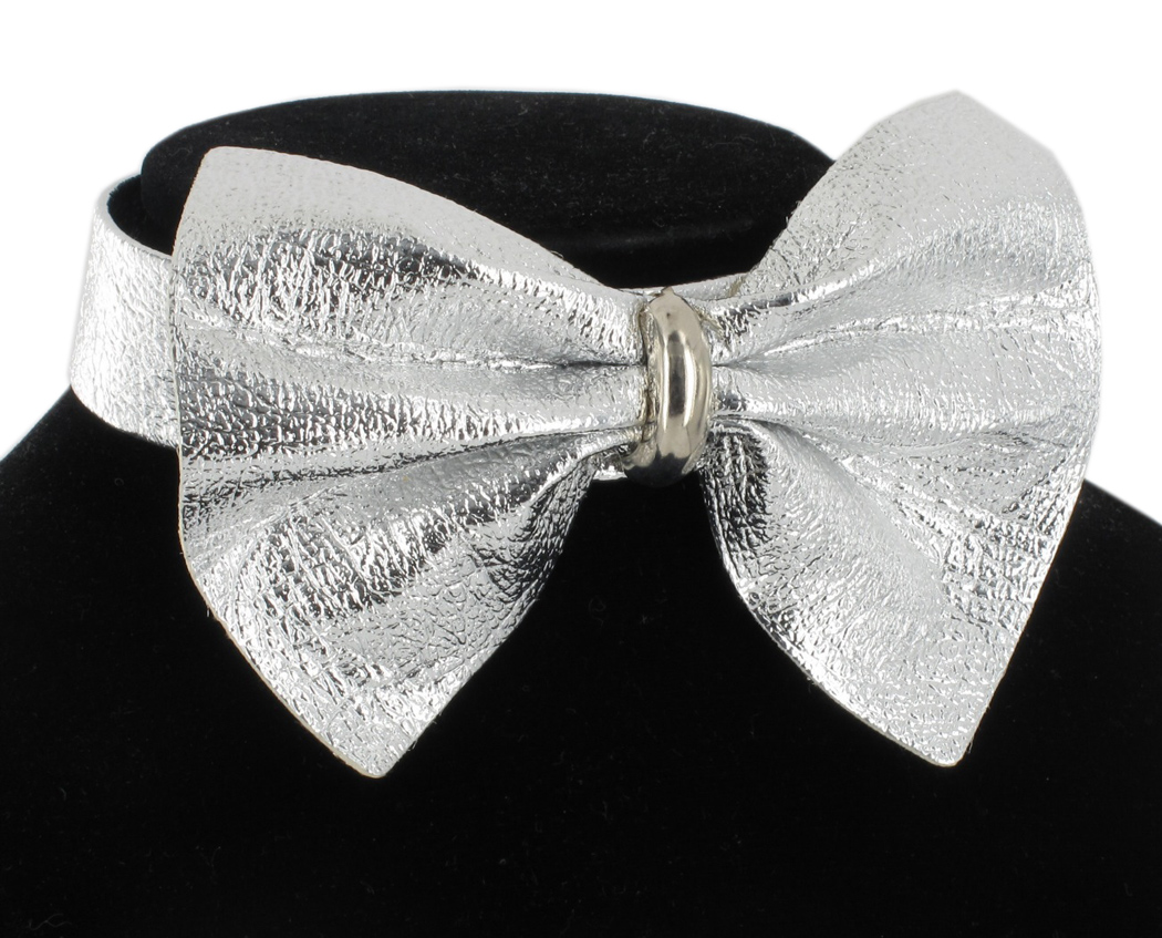 Metallic Silver Tone Bow Faux Leather Choker Necklace