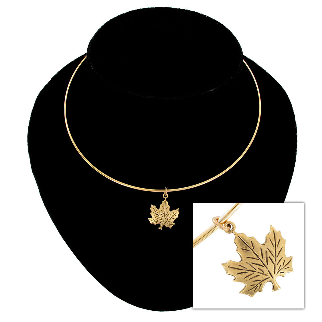 Ky & Co Collar Necklace Canadian Maple Leaf Symbol Gold Tone Charm USA Made